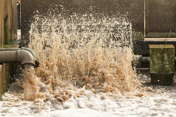 3.下水処理で発生する汚泥を大幅削減