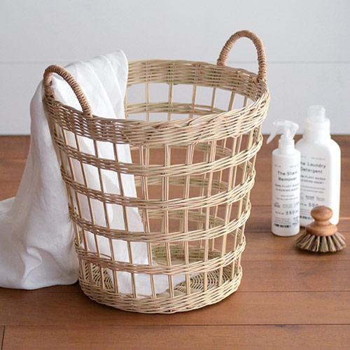 通気性のある洗濯かごに入れる