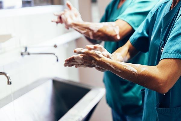 オゾン水を病院でどのように使うか