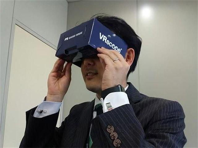 仮想現実(VR)で客を満足させる