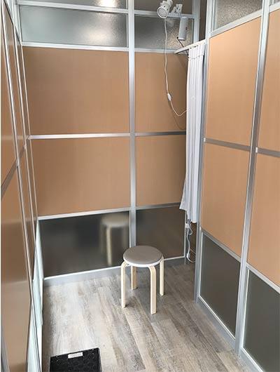 小部屋のなかは1.5畳ほどのスペース