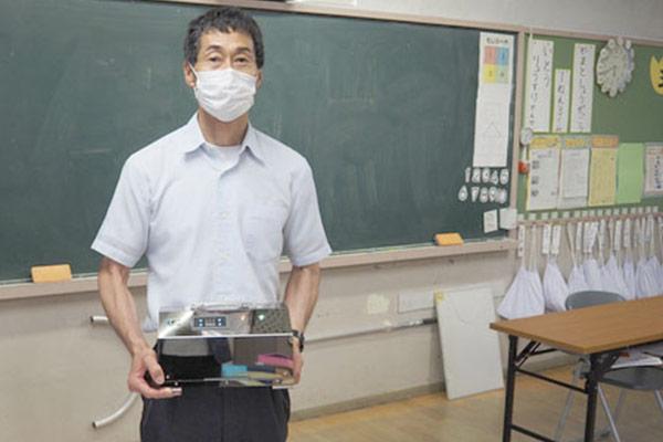 小学校に導入される業務用オゾン発生器